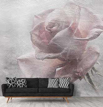 carta da parati rosa incollata a parete