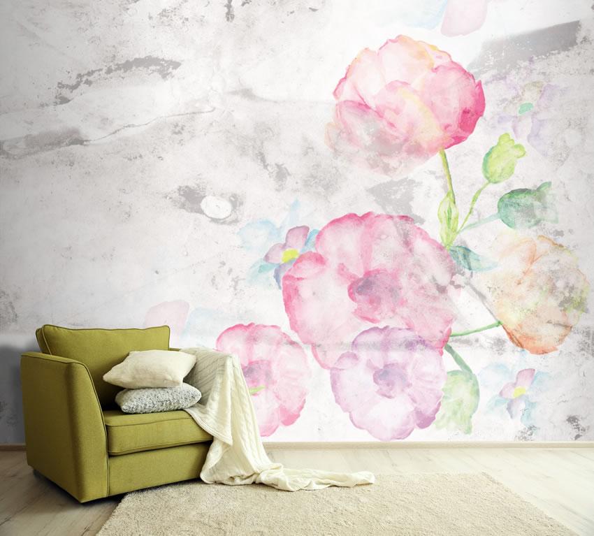 Carta da parati a fiori incollata a muro