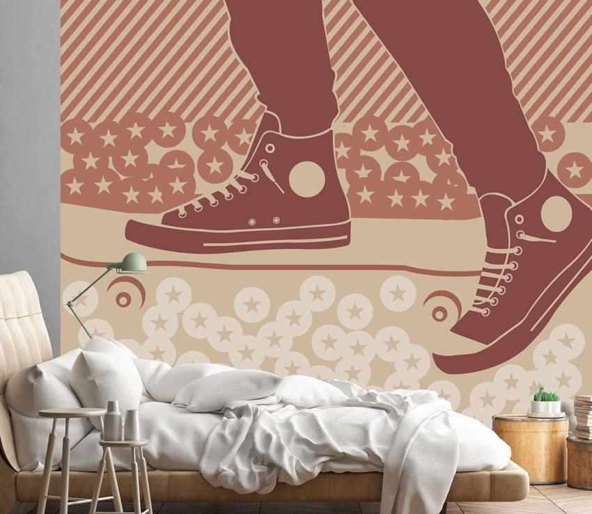 Immagine della carta da parati incollata in una camera di un ragazzo