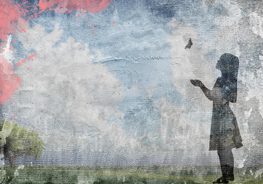 bambina con farfalla carta da parati